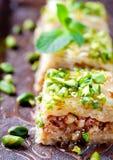土耳其坚果和phyllo酥皮点心点心,果仁蜜酥饼 库存图片
