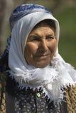 土耳其妇女的画象在乡下 库存图片
