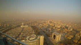 土耳其市烟雾的科尼亚在从摩天大楼高度的太阳下 影视素材