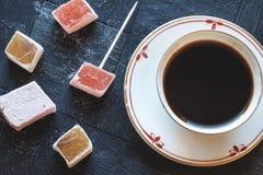 土耳其快乐糖和咖啡风景上面细节 免版税库存照片