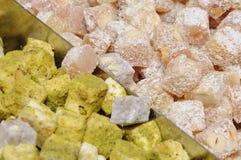 土耳其快乐糖用开心果和椰子 免版税图库摄影
