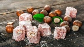土耳其快乐糖,东部纤巧用榛子 免版税库存图片