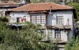 土耳其房子的特写镜头从埃尔马勒,安塔利亚,土耳其历史高地的  库存图片