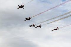 土耳其星飞行表演  免版税图库摄影