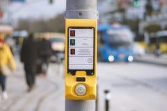 土耳其步行步行红绿灯开关 库存图片