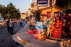 土耳其海边镇的人们和环境 库存照片
