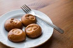 土耳其点心Sekerpare/小蛋糕用果汁牛奶冻糖浆 库存图片
