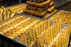 土耳其甜食物果仁蜜酥饼,甜点 免版税图库摄影