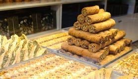 土耳其甜食物果仁蜜酥饼,甜点 库存图片