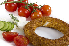 土耳其百吉卷,在早餐板材的simit 库存照片