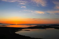 土耳其的夏时,在海,云彩的橙色日落 免版税库存照片