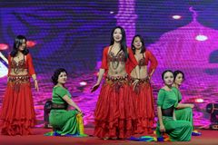 土耳其腹部舞蹈妇女企业家商会庆祝 库存照片