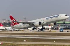 土耳其航空波音777-300 图库摄影
