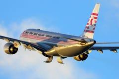 土耳其航空空中客车在离开在伏努科沃国际机场的特别减速火箭的油漆计划的A330-203 TC-JNC 免版税库存图片