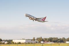 土耳其航空飞机波音737-8F2 免版税库存照片