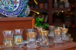 土耳其茶玻璃,伊斯坦布尔土耳其 库存照片