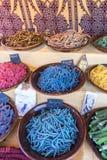 土耳其语,与甜点的篮子特点阿拉伯文化 分集 免版税库存照片