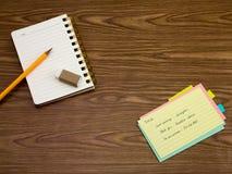 土耳其语;学会在笔记本的新的语言文字词 免版税库存照片