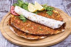 土耳其食物;Lahmacun 免版税库存图片
