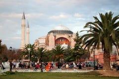 土耳其,伊斯坦布尔- 2013年11月06日:圣索非亚大教堂博物馆的看法Sultanahmet广场的 库存图片