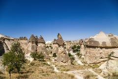 土耳其,卡帕多细亚 美丽的谷的看法修士(Pashabag) 库存图片