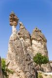 土耳其,卡帕多细亚 风化柱子在修士(Pashabag)的谷的 库存图片