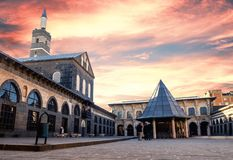 土耳其,迪亚巴克尔盛大清真寺` ulu cami ` 免版税库存图片