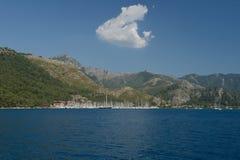 土耳其, Marmaris,海滨广场小船在港口 库存照片