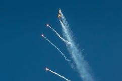 土耳其F-16猎鹰- Soloturk显示队 库存照片