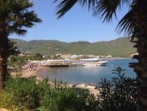 土耳其Iclemer海滩和港口 免版税图库摄影