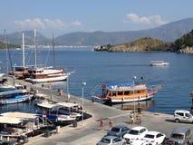 土耳其Icmeler港口和小船 免版税图库摄影