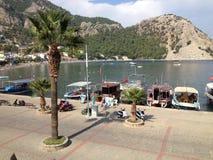 土耳其Turunc港口和小船 免版税库存照片