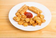 土豆吹和炸鱼排 库存图片