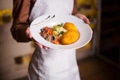 土豆泥用在面团的一道炸肉排 免版税库存照片