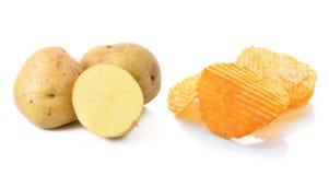 土豆片和土豆 免版税库存照片