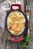 土豆花椰菜焦干酪 库存照片
