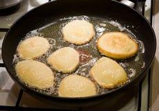 土豆薄烤饼 库存图片