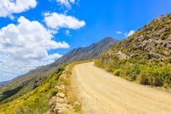 土路在山斑马国家公园,南A 免版税库存照片
