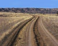 土路车轮痕迹轮胎跟踪 免版税库存图片
