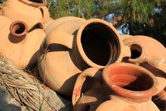 黏土水罐的汇集 库存图片