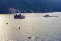 圣乔治和我们的岩石的夫人海岛  海湾kotor montenegro 免版税库存图片