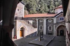 圣乔治绘画入口的对贴水乔治斯,塞浦路斯修道院  免版税库存照片