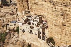 圣乔治修道院在犹太沙漠 库存图片