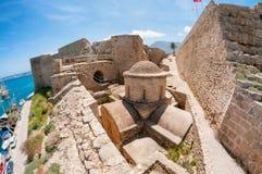 圣乔治拜占庭式的教会在凯里尼亚城堡里面的 免版税库存照片