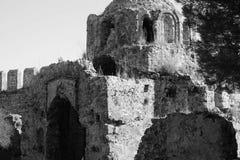 圣乔治拜占庭式的教会废墟阿拉尼亚城堡的 免版税库存照片