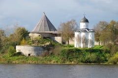 圣乔治教会在Staraya拉多加堡垒 俄国 免版税库存照片