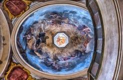圣乔治的大教堂的内部圆顶在布拉格 库存图片