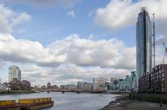 圣乔治的码头的泰晤士河 免版税库存照片