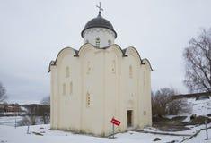 圣乔治老教会每多云冬日 Staraya拉多加堡垒,俄罗斯 图库摄影