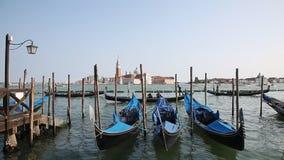 圣乔治Maggiore,威尼斯盐水湖和长平底船大教堂的看法从圣马可广场,威尼斯 股票视频